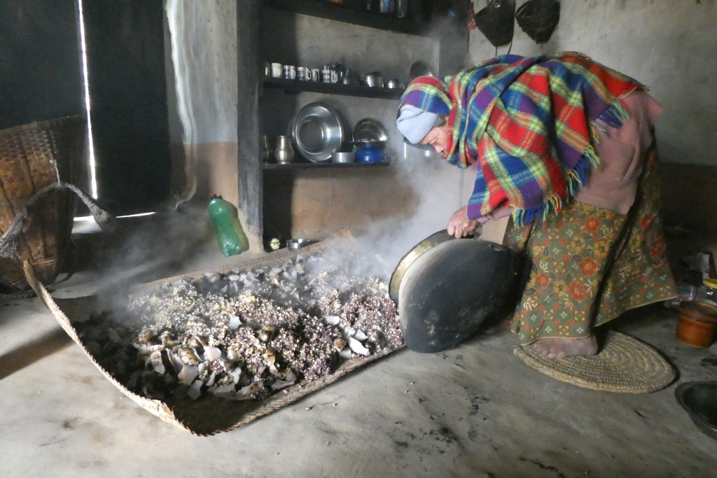 """Mixing cooked sarbadaŋ (kind of tuber) with maize and millet, later to be fermented to produce di: """"beer"""""""